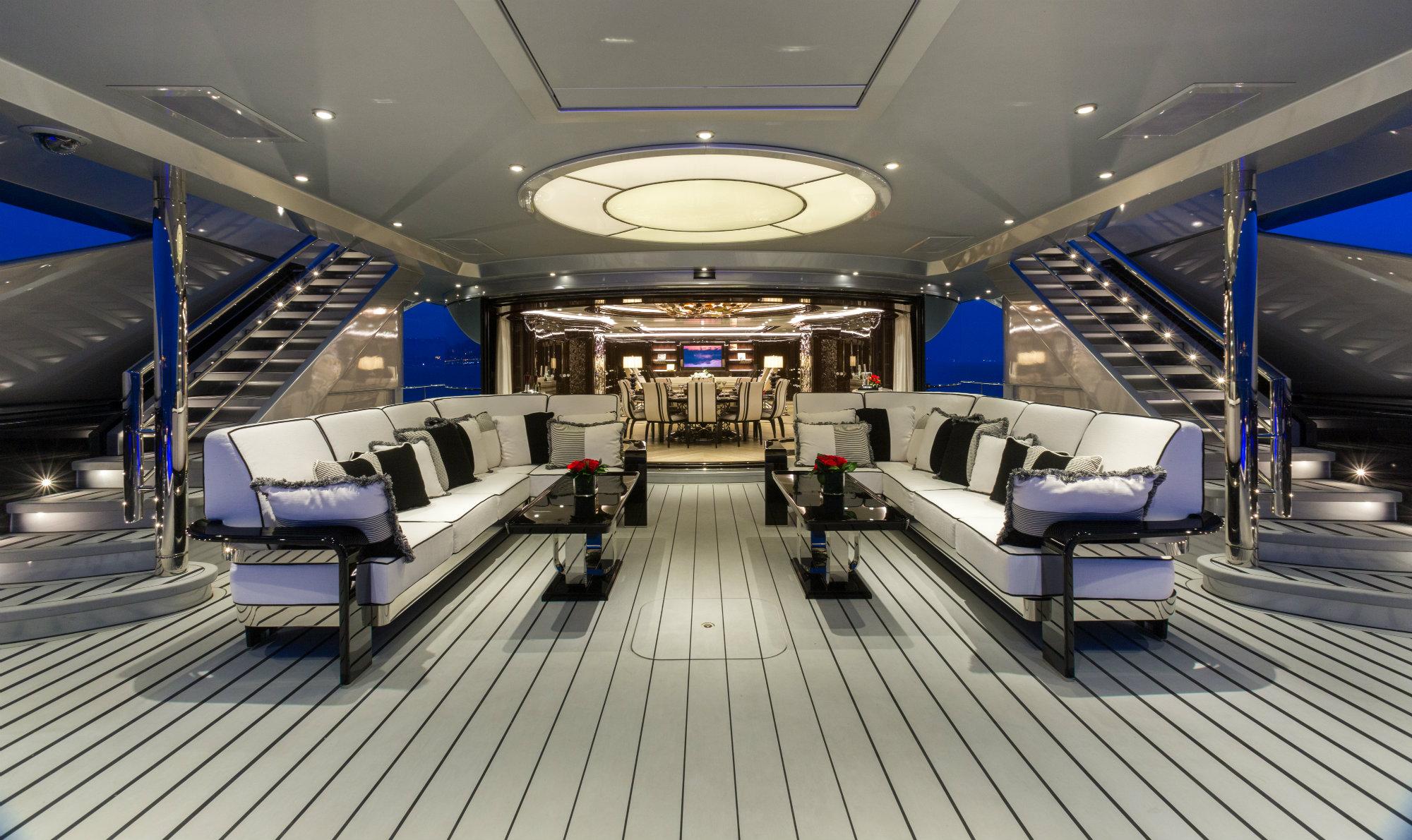 OKTO_Main Deck Seating Lux_Afrique