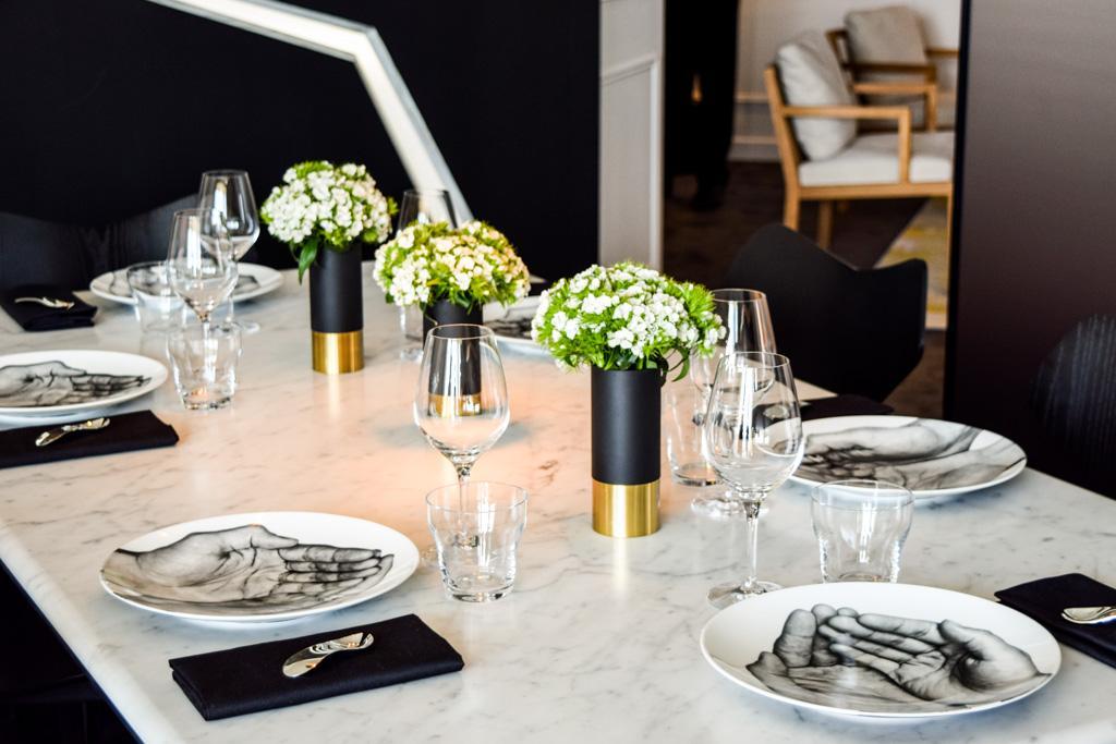 suite-dom-perignon-p2-hotel-de-paris-table